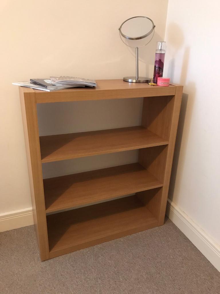 Bookcase shelf storagein Hull, East YorkshireGumtree - Bookcase/ shelf Oak effect woodHeight 86 cmWidth 74.5 cmDepth 29.5 cm2 available