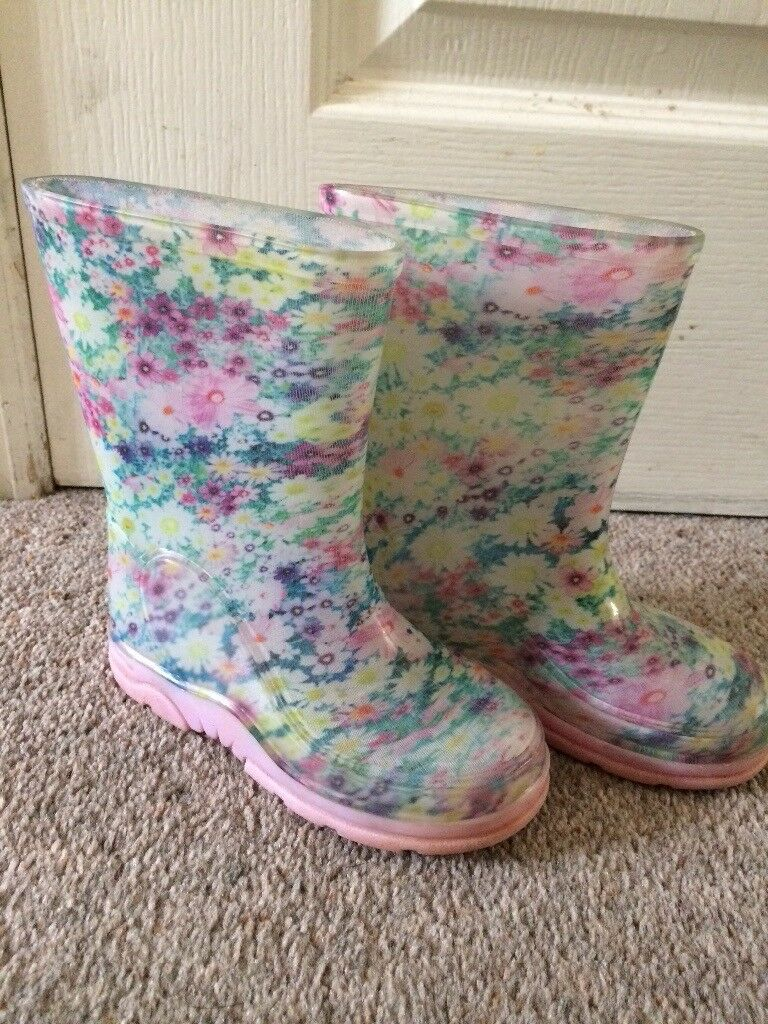 Mothercare floral wellies - Size 7