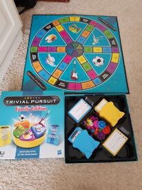 2x board games cluedo and trivia pursuit