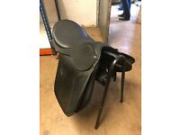Wintec wide black saddle