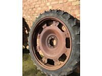 4 Row crop wheels complete with good tyres