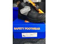 MENS SAFETY WORK BOOTS SIZE 9