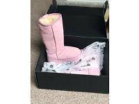 Brand New in Box. Emu Wallaby Hi Kids Size 8 UK Pink / Rose.