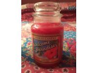 Limited Edition USA welcome to paradise large Yankee candle ( aloha collection)