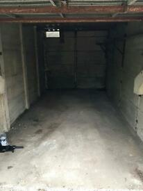 Lock up/garage to let