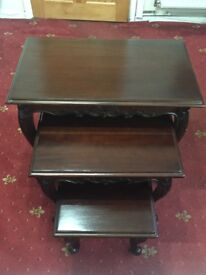 STYLISH AND ELEGANT NEST OF THREE COFFEE TABLES MAHOGANY WOOD (NEVER USED)