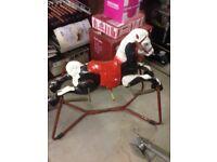 Mobo tin horse