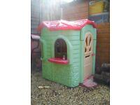 Play house, plastic
