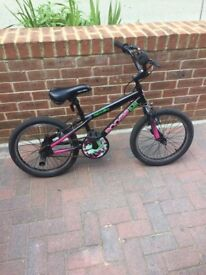 Girls bmx with rear stunt pegs age 6-9
