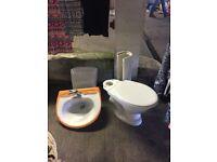 Pedestal basin & sink