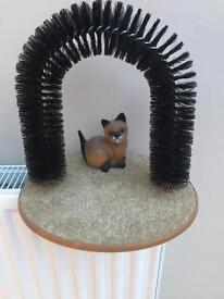 Cat scratcher arch