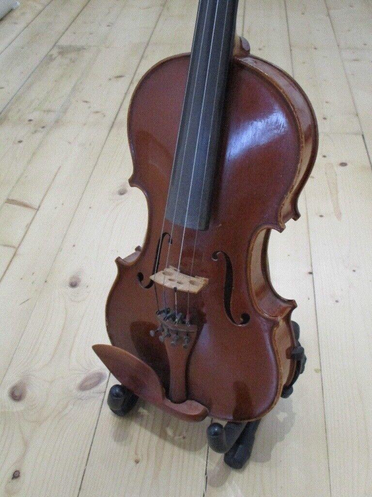 Violin (Stringers Edinburgh) full-size with shoulder rest, bow, case and  stand    in Liberton, Edinburgh   Gumtree