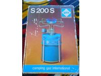 portable single burner camping gaz stove with 2 new cartridges