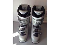 Ladies Salomon Performa 5.5 Ski Boots