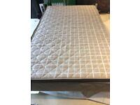 Small double bed (120x200)