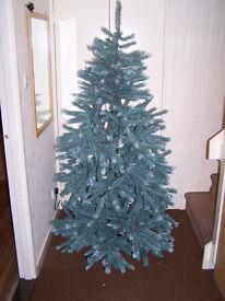 Artifical christmas tree, 6Ft