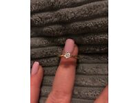 18ct Gold Diamond Ring Size O