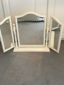 Free-standing Dressing Table Mirror