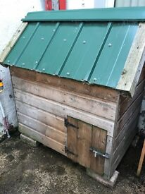 3 x 2 Dog Kennel. Excellent condition