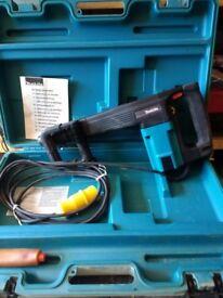 Makita HM1100C demolition hammer