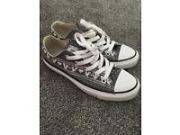 Grey and white Aztec converse women's size 3