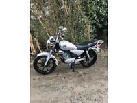 YBR125 Yamaha 2015. 899 Miles.125 cc