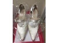 Gorgeous bridal shoes - size 4