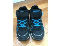 Boys hiking boots - as new - Size 2