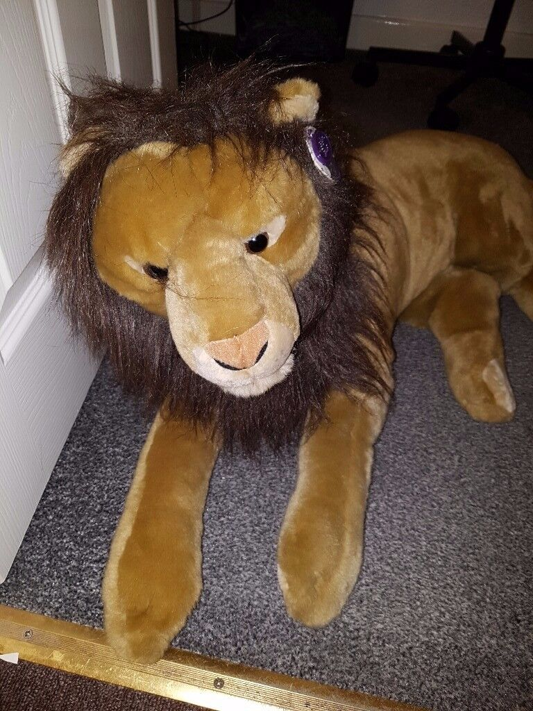 LARGE CUDDLES TIME LION - LIKE NEW 40 INCH LONG
