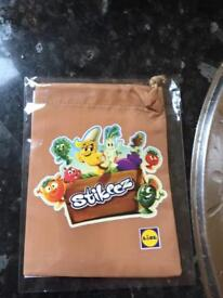 Stikeez collector bag