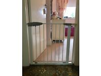 Lindam sure shut stair gate and extension