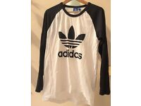 ADIDAS T-SHIRT - SIZE MEDIUM