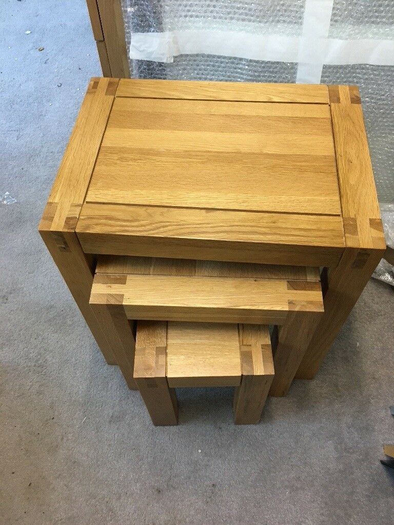 Nest of tables from Oakfurnitureland. In very good condition - hardly used