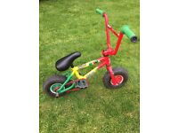 Mini Rocker Rasta Stunt BMX bike