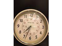 retro design 24 hour kitchen wall clock, cream, excellent condition