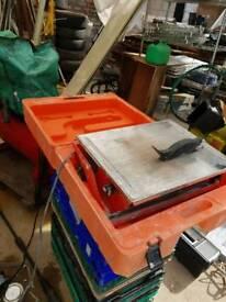 Clipper tile cutter 240volts