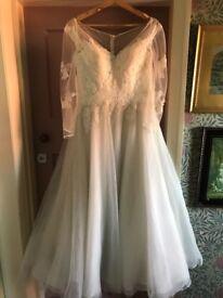 Essence of Australia d1957 short wedding dress Betsy ivory lace size 14