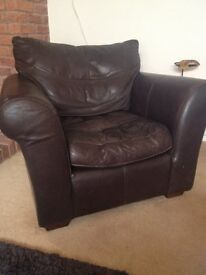 Leather armchair (brown)