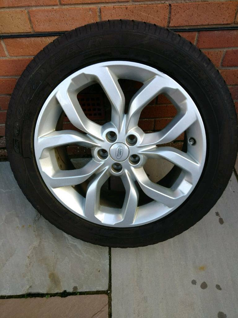 Landrover Discovery Sport wheel and tyre
