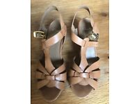 Clark's Tan leather Sandals size 5 D fitting