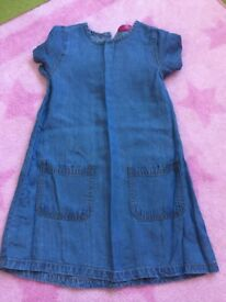 Girls blue denim dress size 4-5 Years NEW