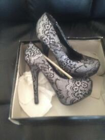 New size 5 high heels