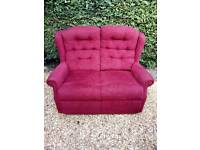 2 seater settee in good condition