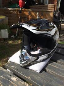 Off road motorcycle helmet (kids)