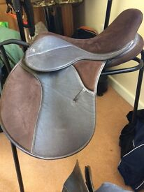"""17"""" wide thorowgood saddle"""