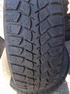 2 PNEUS HIVER - MARSHALL 195 65 15 - 2 WINTER TIRES