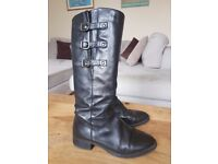 Gorgeous black leather Jones boots