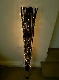 Feature reed light.