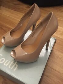 Never worn Size 5 peeped toe nude high heels £10