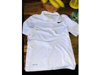 Nike perfect condition Boys 8-10 128/137 bundle